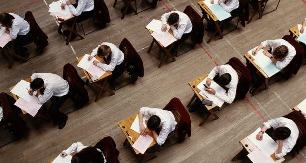 Vremuri noi, examene vechi